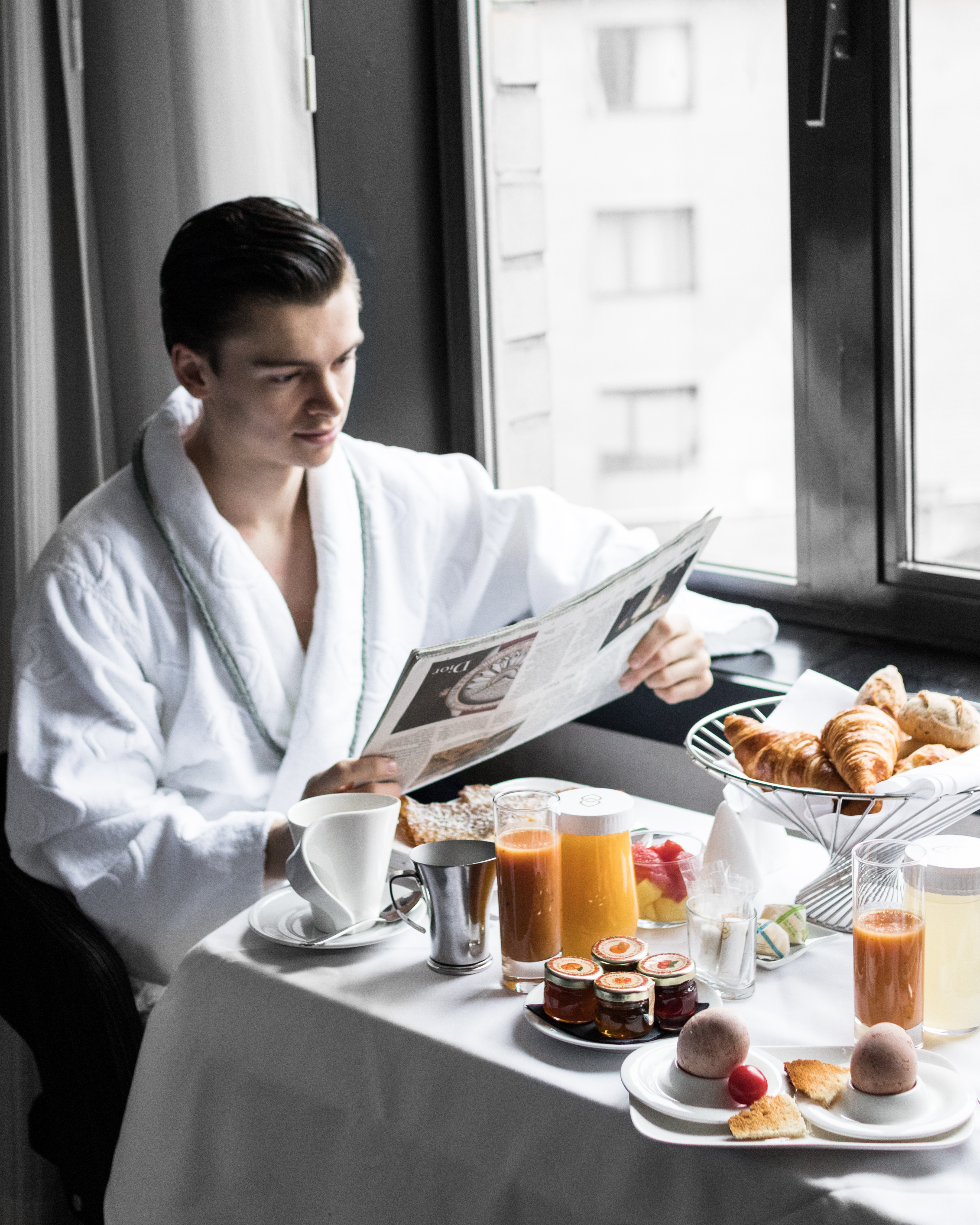 Mathias le fevre - sofitel le louise brussels breakfast room service gentleman luxury hotel